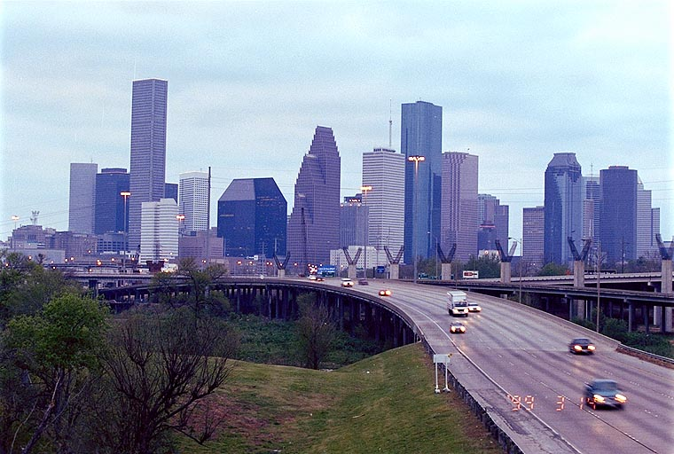 houston_skyline_from_white_oak_bridge.jpg